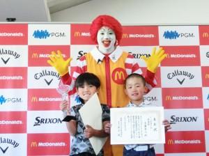 7-8歳の部男子 清水蔵之介(東京・八坂小2年) 斉藤隼人(埼玉・立花小3年)
